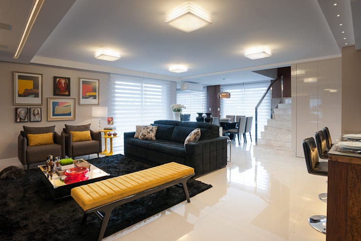 AREA SOCIAL: Salas de estar  por Adriane Cesa Arquitetura
