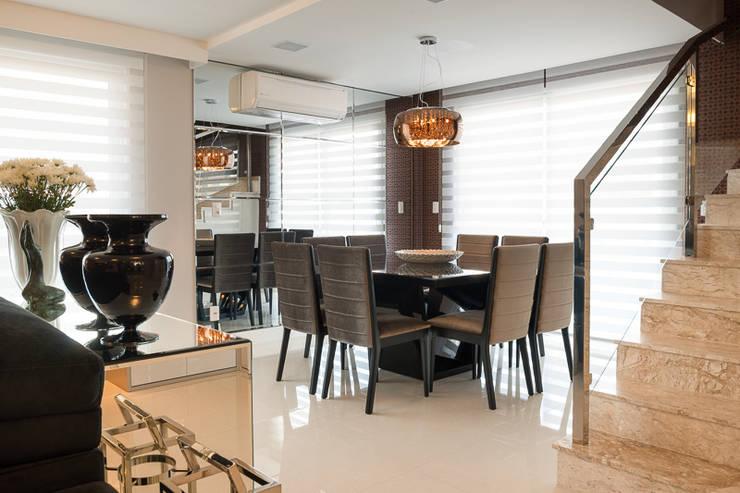 AREA SOCIAL: Salas de jantar  por Adriane Cesa Arquitetura