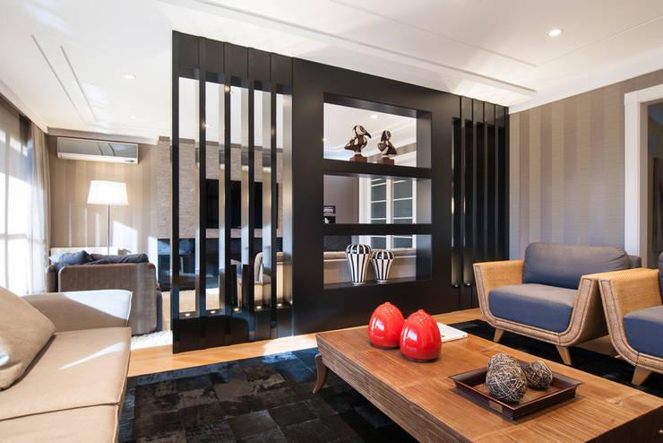 SALA DE ESTAR: Salas de estar  por Adriane Cesa Arquitetura