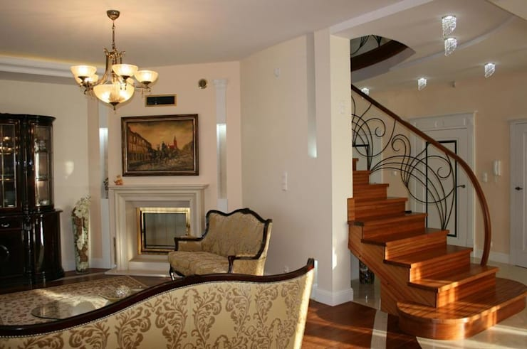 Dom klasyczny: styl , w kategorii Salon zaprojektowany przez 1Architekt Magdalena Mirek-Roszkowska