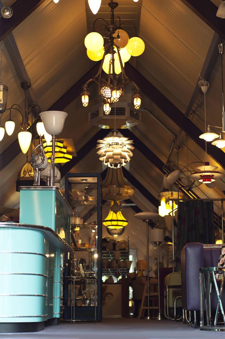 Verlichting:  Winkelruimten door De blauwe Deel Webwinkels, Eclectisch