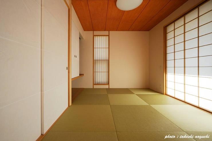 house Y: フカサワマサキ建築事務所が手掛けた壁です。