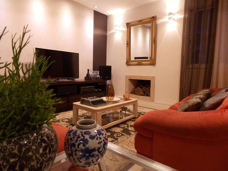 Salas de estilo  por Lúcia Vale Interiores