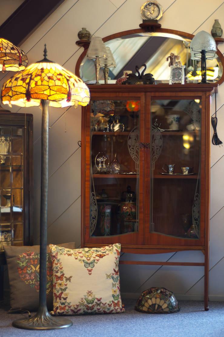Art Nouveau hoek:  Winkelruimten door De blauwe Deel Webwinkels, Klassiek