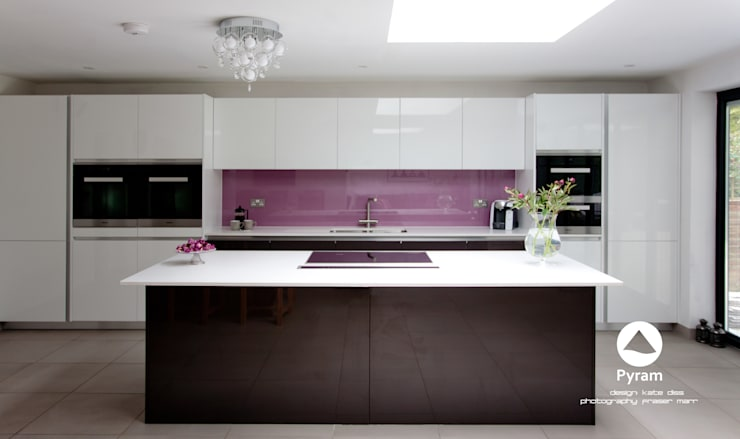 """Long"" Island Kitchen:  Kitchen by Pyram"