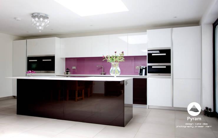 """Long"" Island Kitchen:  Kitchen by Pyram"