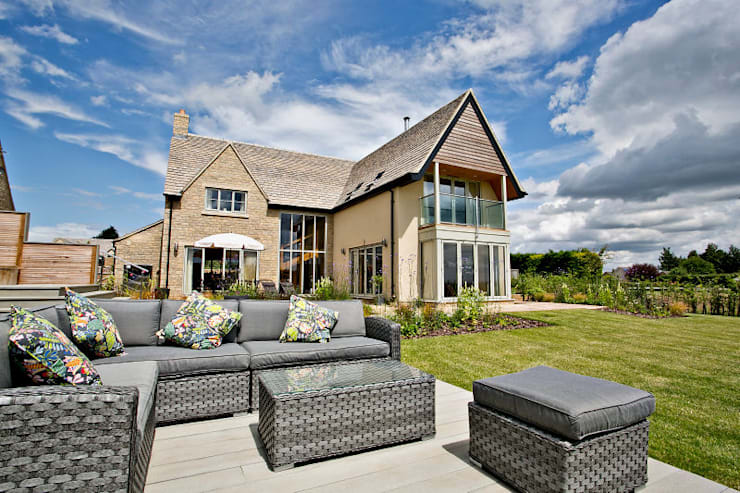 """A new build house with far-reaching views: {:asian=>""""asian"""", :classic=>""""classic"""", :colonial=>""""colonial"""", :country=>""""country"""", :eclectic=>""""eclectic"""", :industrial=>""""industrial"""", :mediterranean=>""""mediterranean"""", :minimalist=>""""minimalist"""", :modern=>""""modern"""", :rustic=>""""rustic"""", :scandinavian=>""""scandinavian"""", :tropical=>""""tropical""""}  by Susan Dunstall Landscape & Garden Design,"""