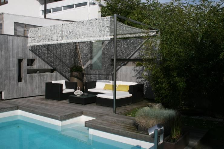 Gartenlounge am Bodensee:  Garten von STYLE-interior design,  Ganal + Sloma
