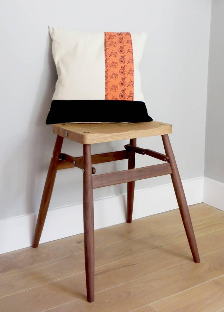 Coral bike cushion: classic  by bymarie, Classic
