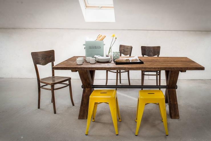 Stół Industrialny X-frame: styl , w kategorii Jadalnia zaprojektowany przez Kornik