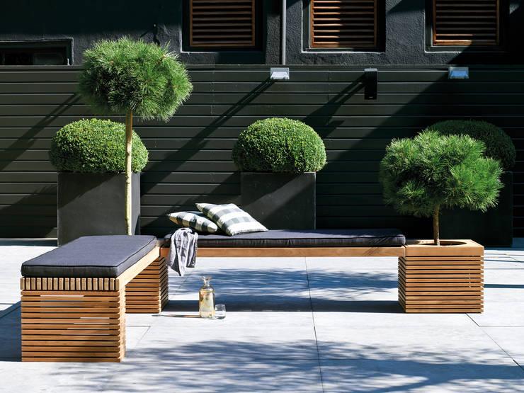 Giardino in stile in stile Moderno di fleur ami GmbH