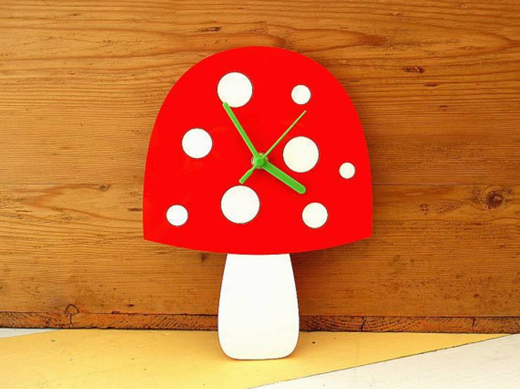 Mushroom Clock: modern  by BooBoo and Ted, Modern