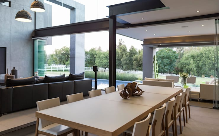 House in Blair Atholl:  Dining room by Nico Van Der Meulen Architects