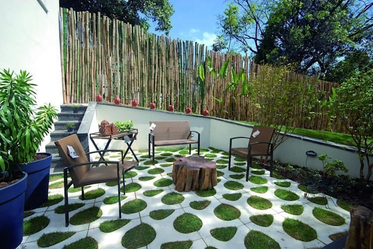 Parede e piso  por Renata Rubim Design  & Cores