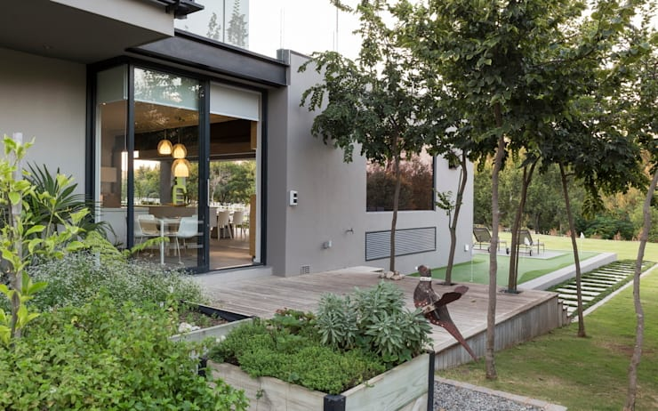 บ้านและที่อยู่อาศัย by Nico Van Der Meulen Architects