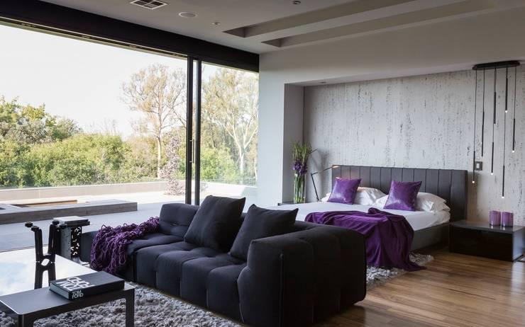 Casas de banho modernas por Nico Van Der Meulen Architects