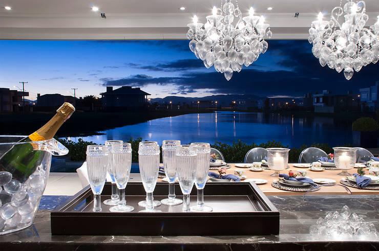 Luciano Teston:  tarz Yemek Odası