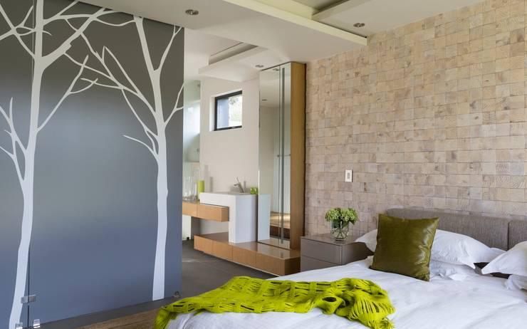 Quartos modernos por Nico Van Der Meulen Architects