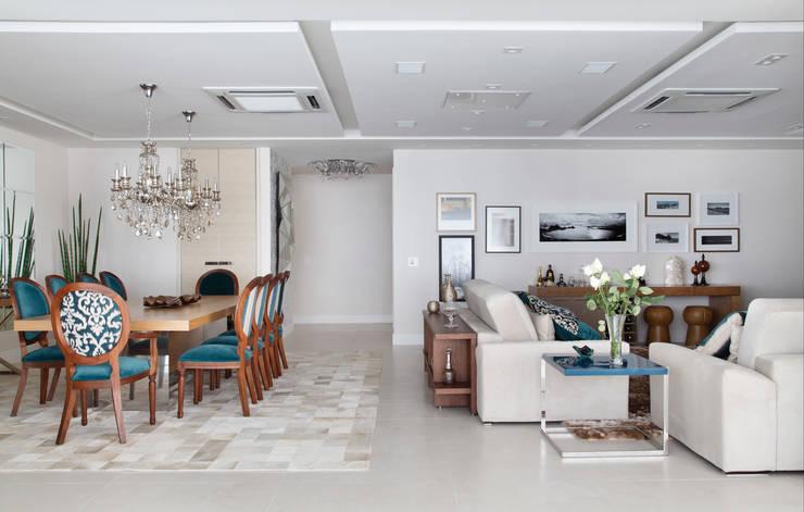 غرفة المعيشة تنفيذ Ana Adriano