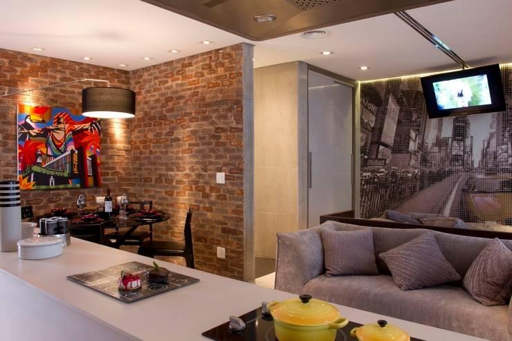 Sala de Jantar: Salas de jantar modernas por Ana Bartira Brancante Arquitetura