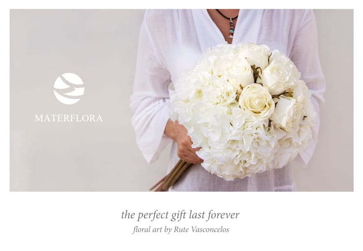 White Rose Buds and White Hydrangeas: classic  by Materflora Lda., Classic