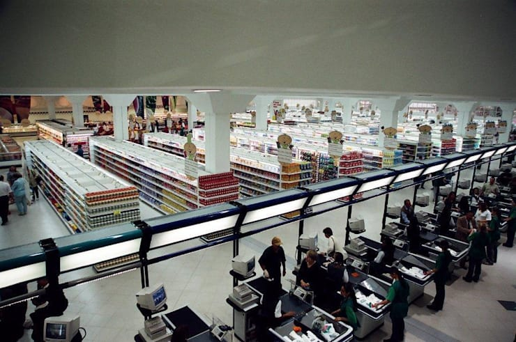 SUPERMERCADO: Espaços comerciais  por Adriane Cesa Arquitetura