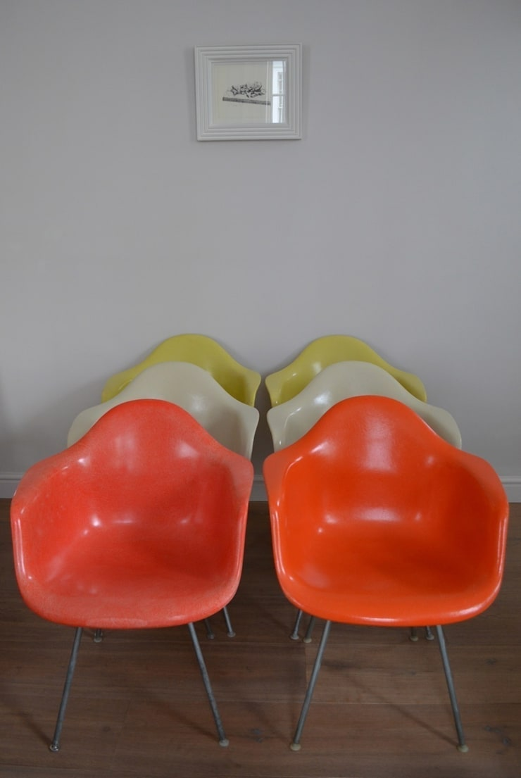 DAX Arm Chairs by Charles and Ray Eames: modern  by Flure Grossart 20th Century Design & Interiors, Modern