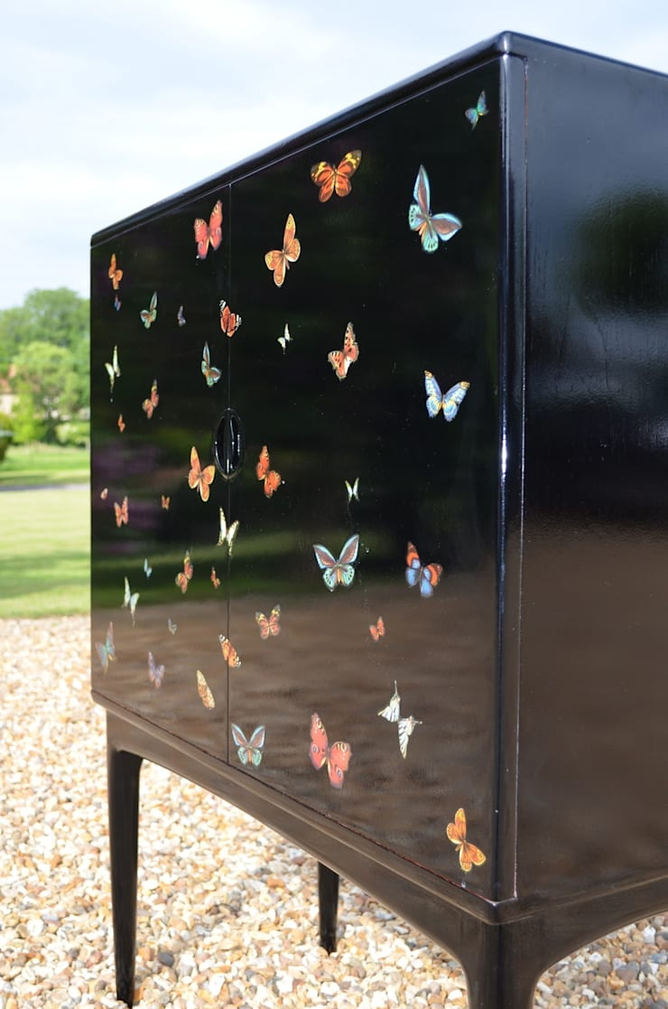 Rare Lacquered Drinks Cabinet: modern  by Flure Grossart 20th Century Design & Interiors, Modern