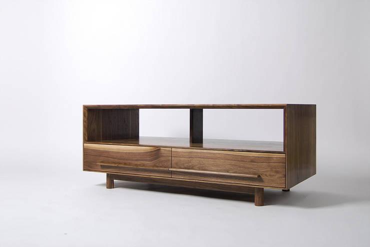 SOFA TABLE: Woodstudio MAUM의  거실