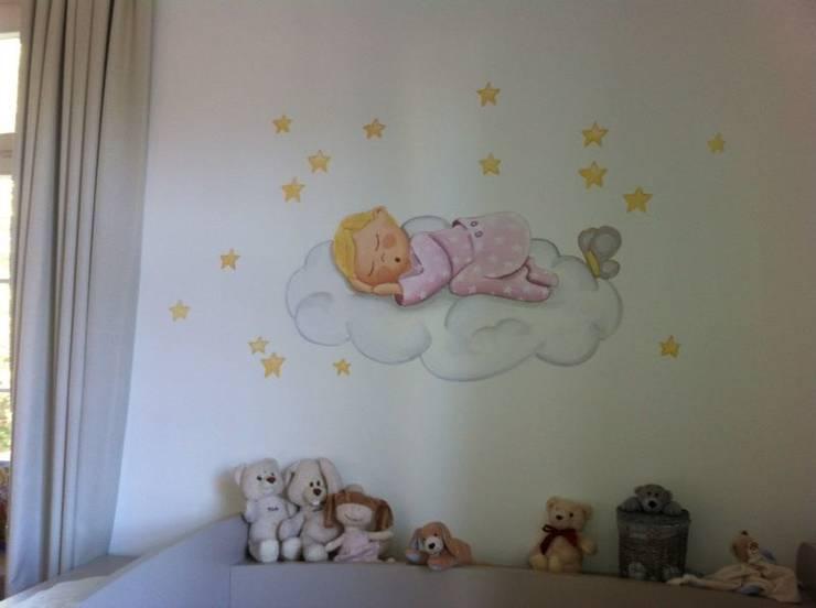 DORMITORIO INFANTIL: Dormitorios infantiles de estilo  de Judith interiors