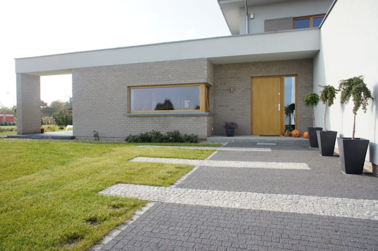Dom jednorodzinny: styl , w kategorii Domy zaprojektowany przez Sasiak - Sobusiak Pracownia Projektowa