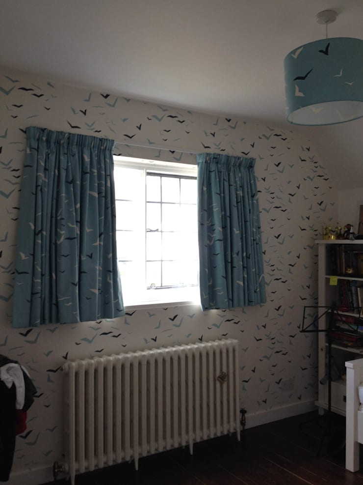 Childs Bedroom Curtains on simple track: classic  by WAFFLE Design, Classic