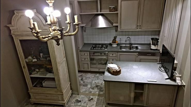 Realizzazioni: Cucina in stile in stile Rustico di ERIKA CHIARI - DECORAZIONI D'INTERNI