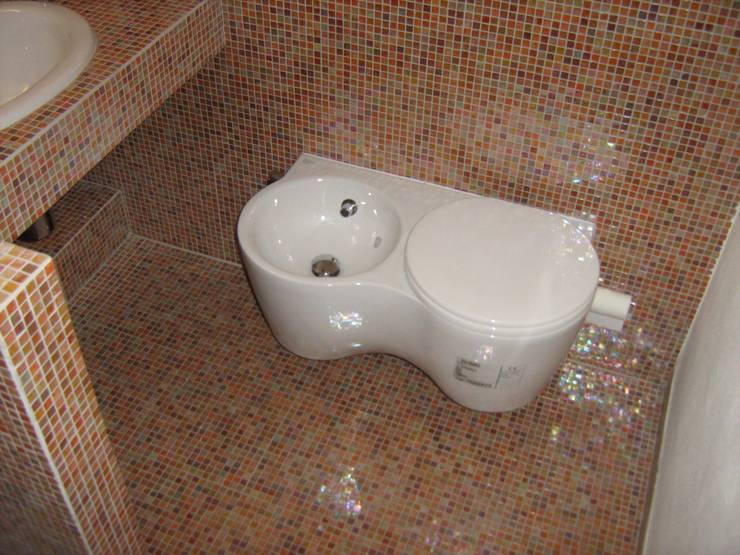 Bagno in Attico Bagno moderno di Interior Design Stefano Bergami Moderno