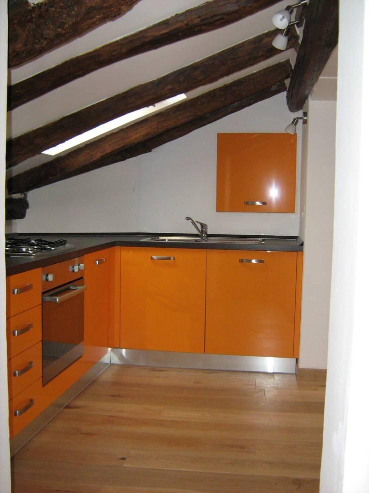 Bagno in Attico Cucina moderna di Interior Design Stefano Bergami Moderno