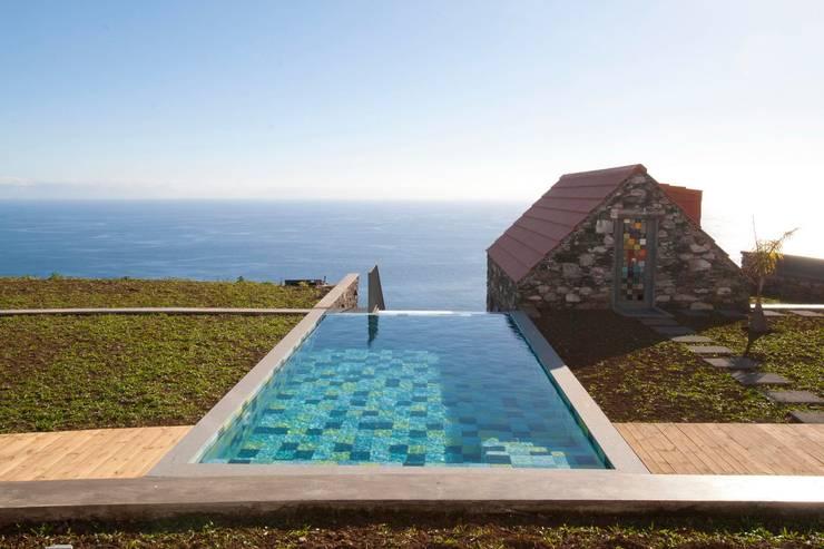 Turismo rural Casas da Vereda: Casas  por Mayer & Selders Arquitectura