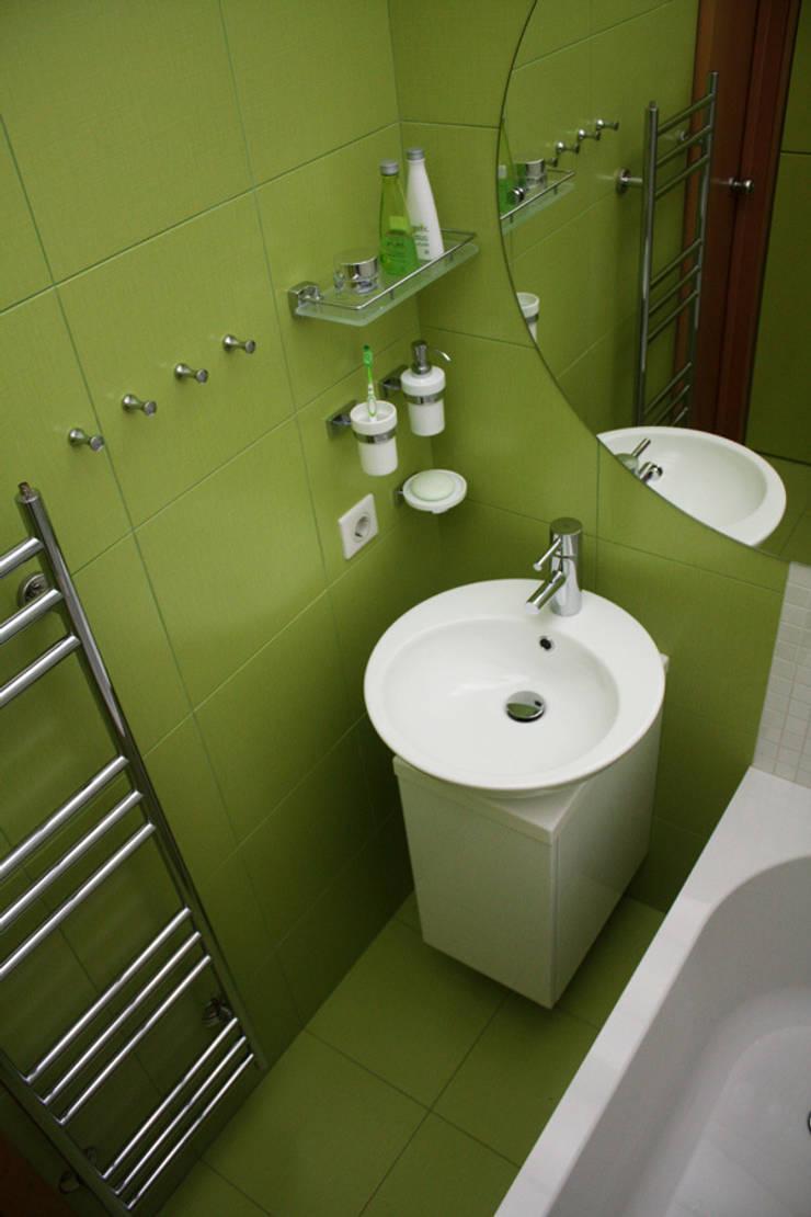 ванная: Ванная комната в . Автор – artemuma - архитектурное бюро,