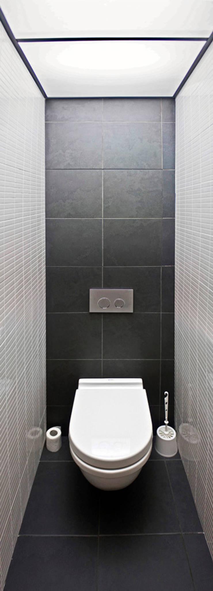 туалет: Ванные комнаты в . Автор – artemuma - архитектурное бюро