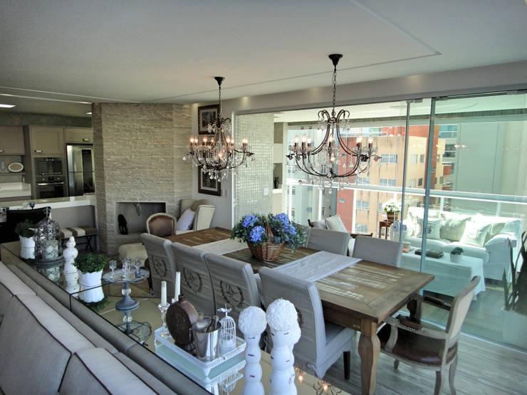 Jantar: Salas de jantar rústicas por Gabriela Herde Arquitetura & Design