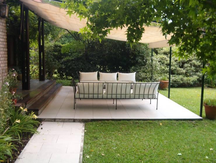 Mobiliario para exteriores: Jardines de estilo  por El Naranjo