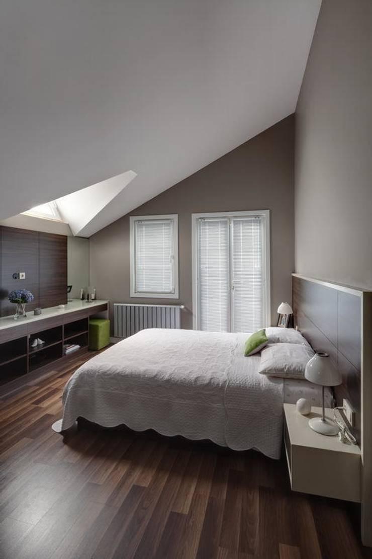 NUUN MİMARLIK – K.M EVİ, SAKARYA:  tarz Yatak Odası