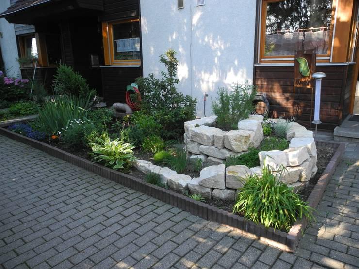 Jardines de estilo  por Raum-Künstler.in