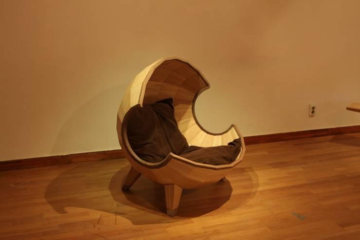 segment chair_01 : saeromyoon의  거실