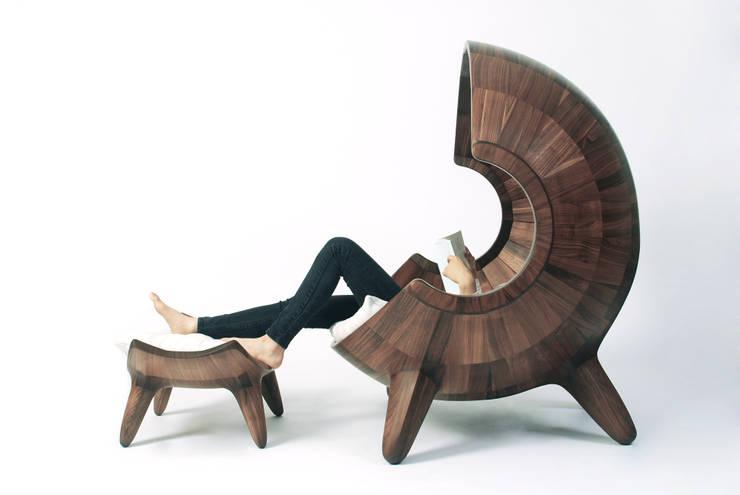 segment chair_02 : saeromyoon의  거실