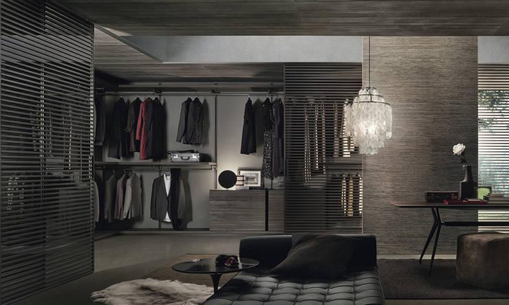 Dress Bold Walk In Wardrobe by Rimadesio:  Dressing room by Campbell Watson,