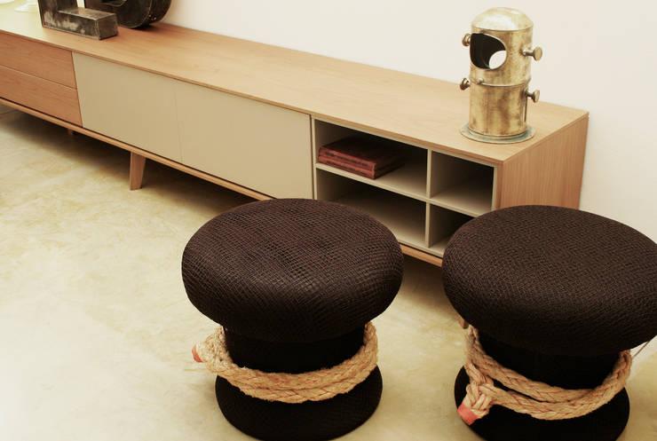 Noray Salón: Salones de estilo  de JUAN ARES Marine Design