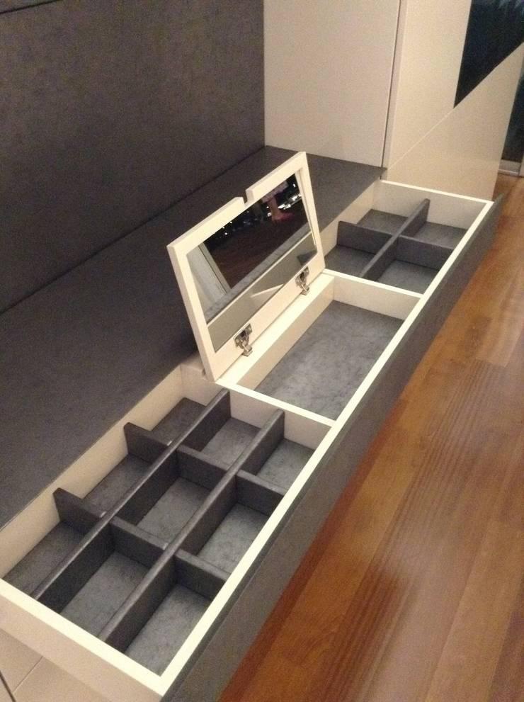DIseño exclusivo para suite : Dormitorios de estilo  de Carmen Fernandez Interiorismo y Eventos