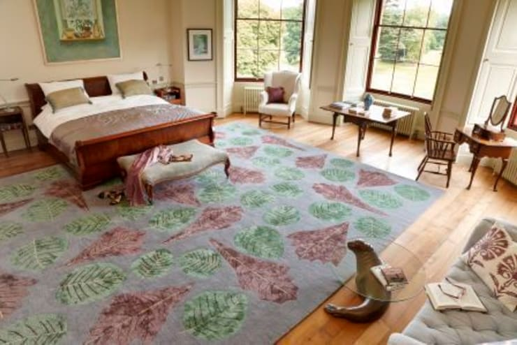 Deirdre Dyson AUTUMN LEAVES (Bespoke variant) hand knotted wool and silk rug:  Bedroom by Deirdre Dyson LLP, Classic