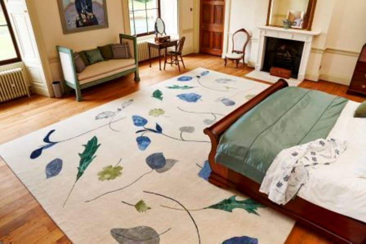 Deirdre Dyson SALAD DAYS (bespoke variant) hand knotted wool and silk rug:  Bedroom by Deirdre Dyson LLP, Classic
