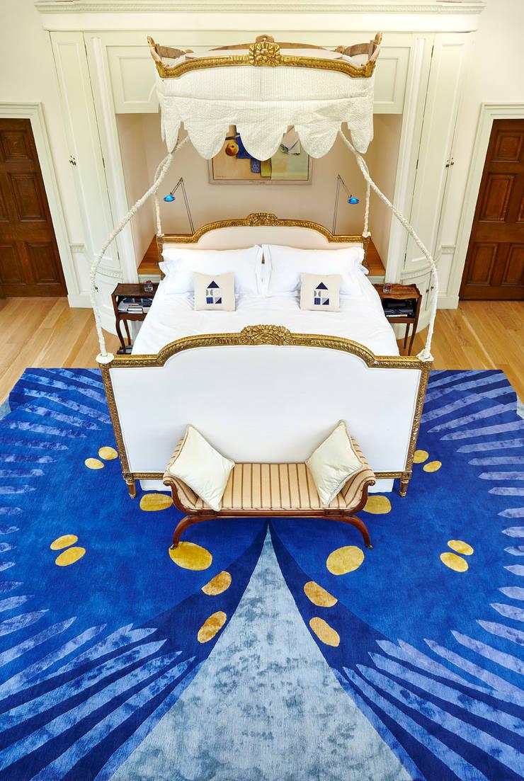 Deirdre Dyson FARFALLA (Bespoke variant) hand knotted wool and silk rug:  Bedroom by Deirdre Dyson LLP, Classic